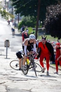That devil looks familiar.....I wonder what other cycle race he featured in......